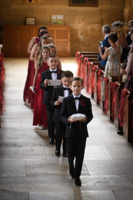 page boys arrive at the church